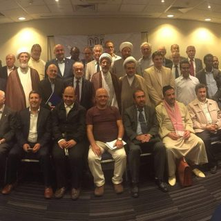 صورة تذكارية لضيوف المؤتمر